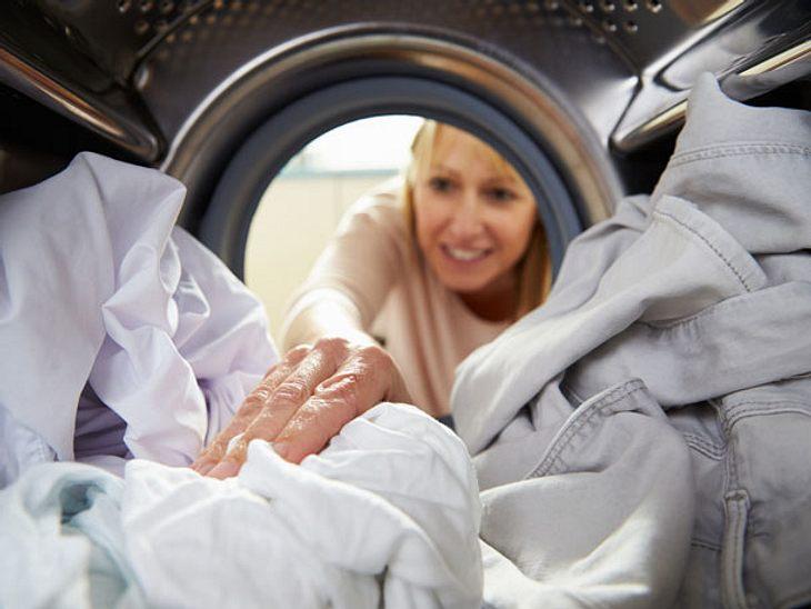Eine gute Vorbereitung spart Zeit und Kraft beim Hemden bügeln.