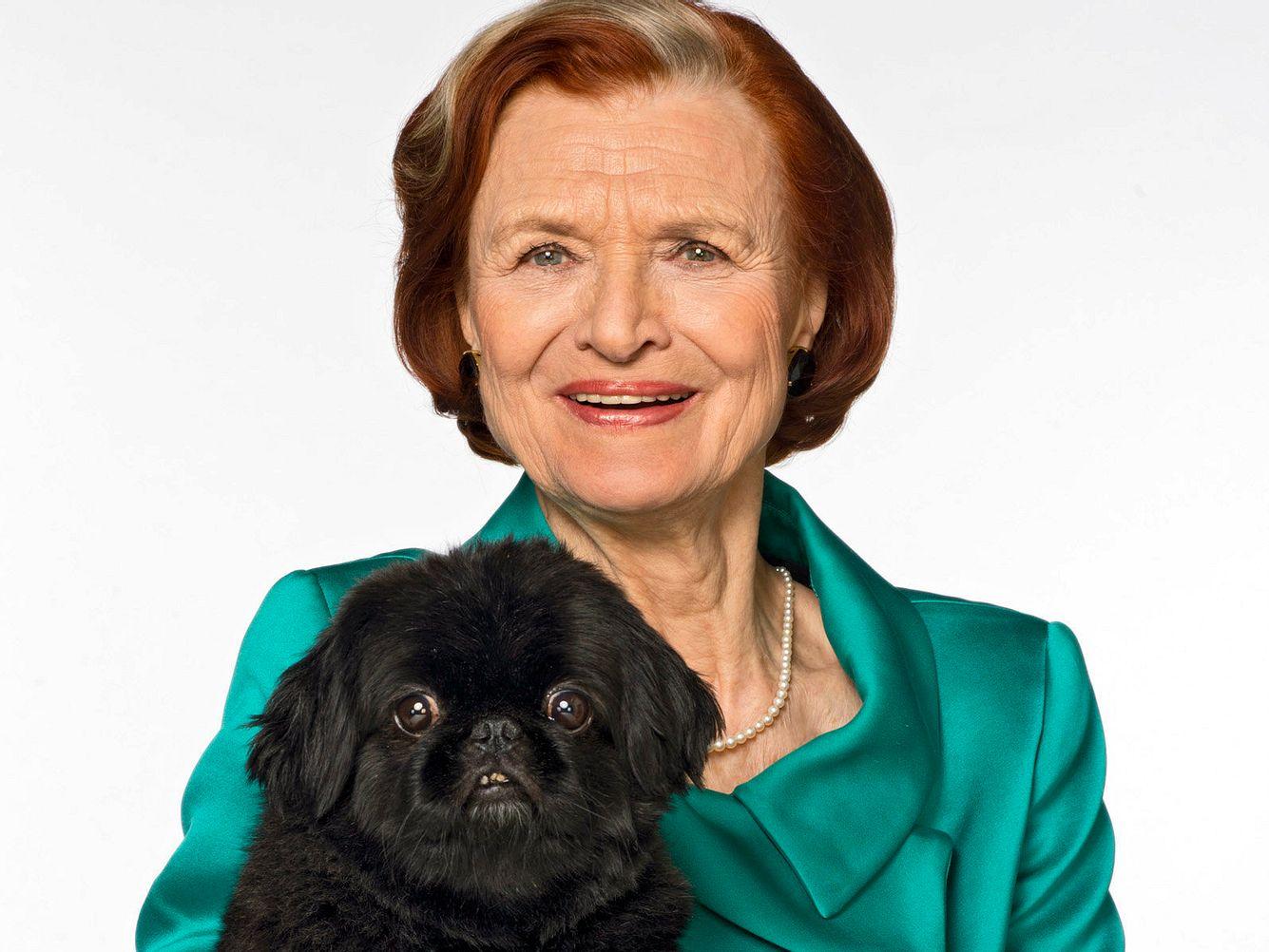 Brigitte Antonius und Hund Pinky.