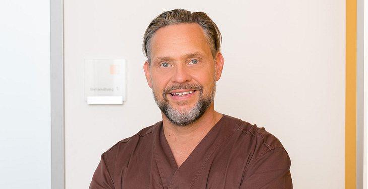 Dr. Jochen H. Schmidt, leitender Zahnarzt vom Carree Dental in Köln.