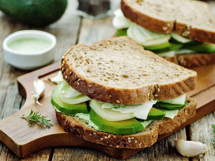 Die Abendbrot-Diät: Mit diesen Tricks purzeln die Pfunde| Liebenswert