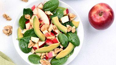 Wie kann man abnehmen, ohne zu hungern? - Foto: Tatiana Volgutova / iStock