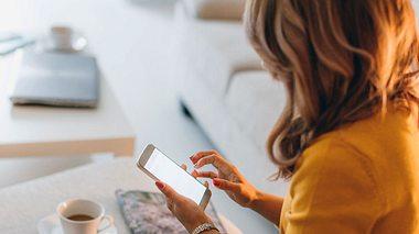 Was Sie tun sollten, um einer Abzocke am Telefon zu entgehen. - Foto: eclipse_images / iStock