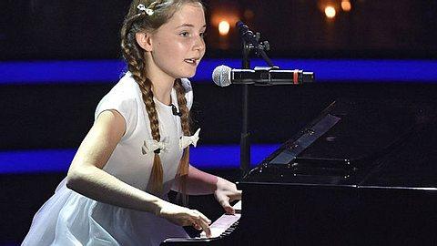 Alma Deutscher ist erst 11 Jahre alt und bereits Komponistin.  - Foto: Hannes Magerstaedt / Getty Images
