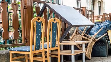 Möbel entsorgen: Darauf sollten Sie beim Sperrmüll achten