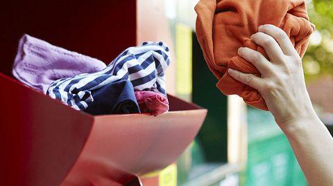 So hilft Ihre Kleiderspende