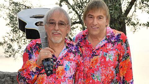 Die Amigos, seit Jahren als erfolgreiches Schlager-Duo unterwegs, veröffentlichten jetzt mit Zauberland eine neue Platte. - Foto: Kerstin Joensson / Sony Music Entertainment