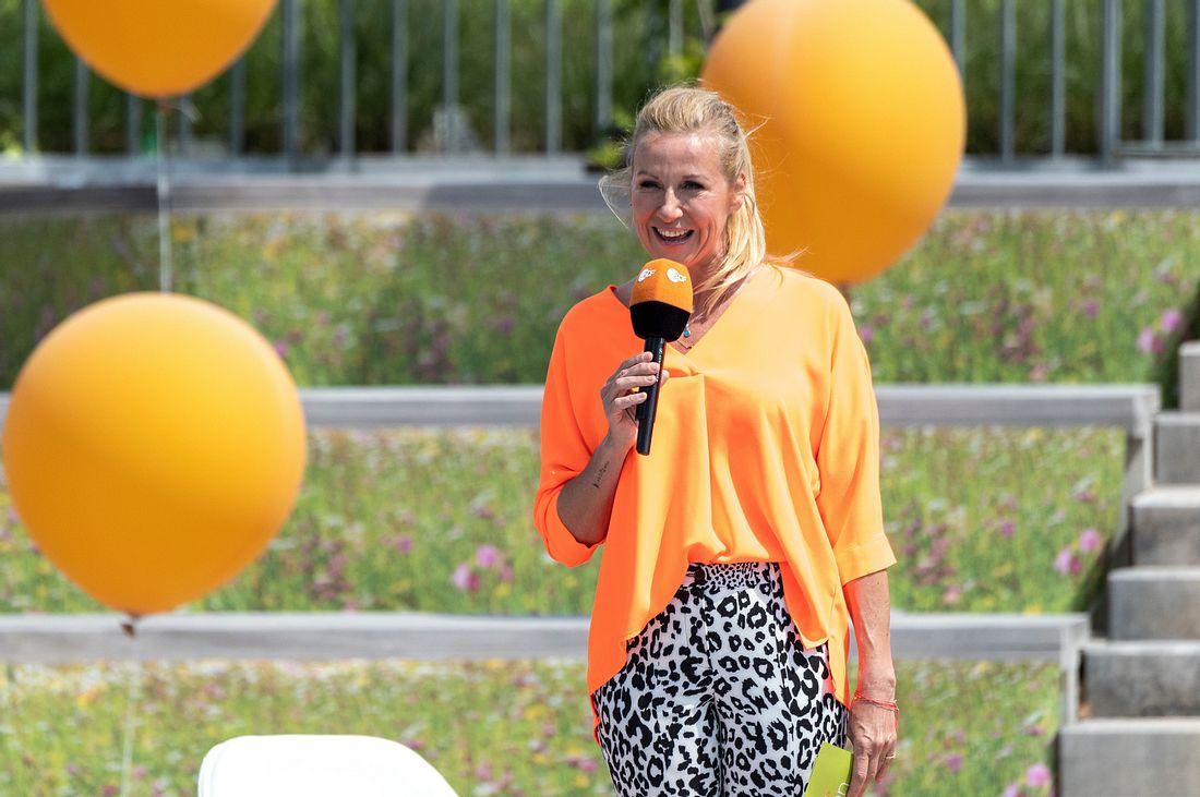 Als Moderatorin des ZDF-Fernsehgartens begeistert Andrea Kiewel ein breites Publikum.