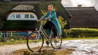 Annette Frier als Ella Schön. - Foto:  ZDF / Marc Vorwerk