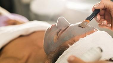 Die besten Tipps gegen Stirnfalten - Foto: StockPlanets/istock