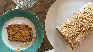 Saftiger Apfel-Zimt-Kuchen mit Karotten. - Foto: Liebenswert/privat