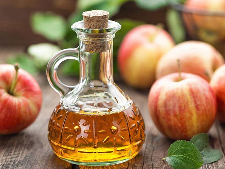 Apfelessig: Wie Haare, Haut und Verdauung profitieren