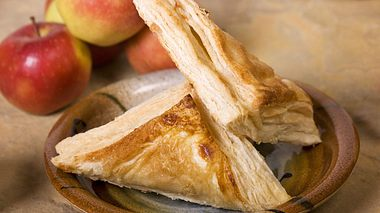Wie Sie Apfeltaschen selbst machen, verraten wir hier. - Foto: foodandwinephotography / iStock