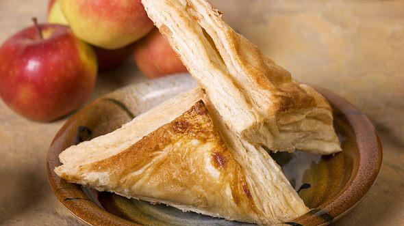 Apfeltaschen-Rezepte mit Blätterteig und Quark-Öl-Teig