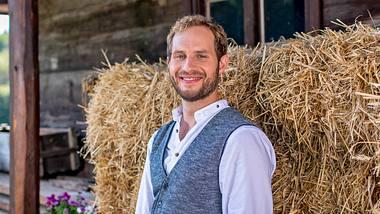 Schauspieler Arne Löber ist Hauptdarsteller der 17. Staffel von Sturm der Liebe. - Foto: ARD/Christof Arnold