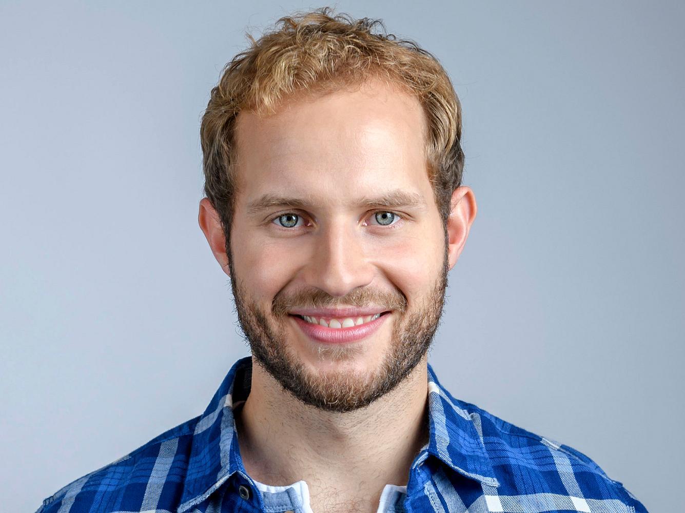 Arne Löber spielt bei 'Sturm der Liebe' den Förster Florian Vogt.