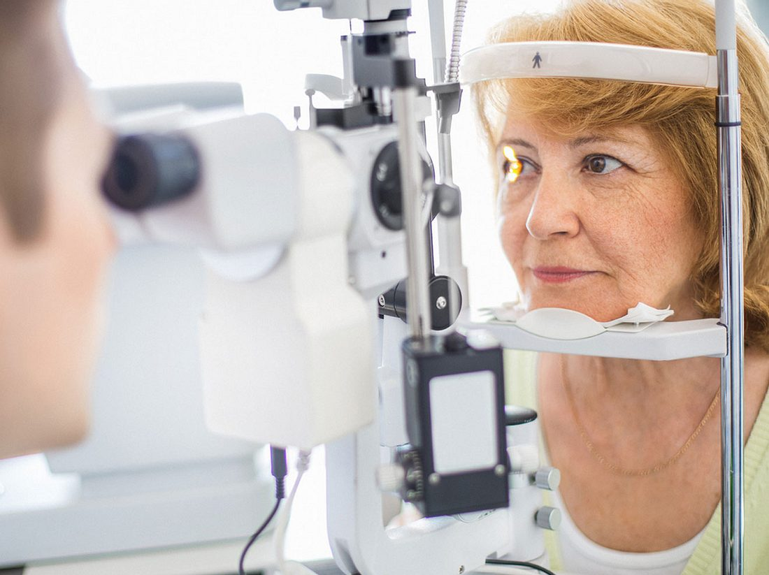 Beim Augenarzt kann Augenkrebs diagnostiziert werden.
