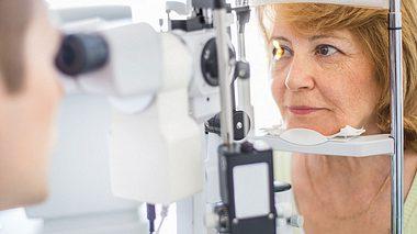 Augenuntersuchung - Foto: gilaxia / iStock