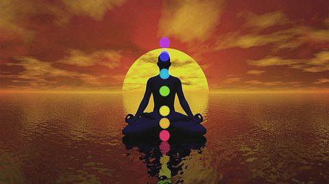 Die Farbe unserer Aura bestimmt unser Wesen. - Foto: Elenarts / iStock