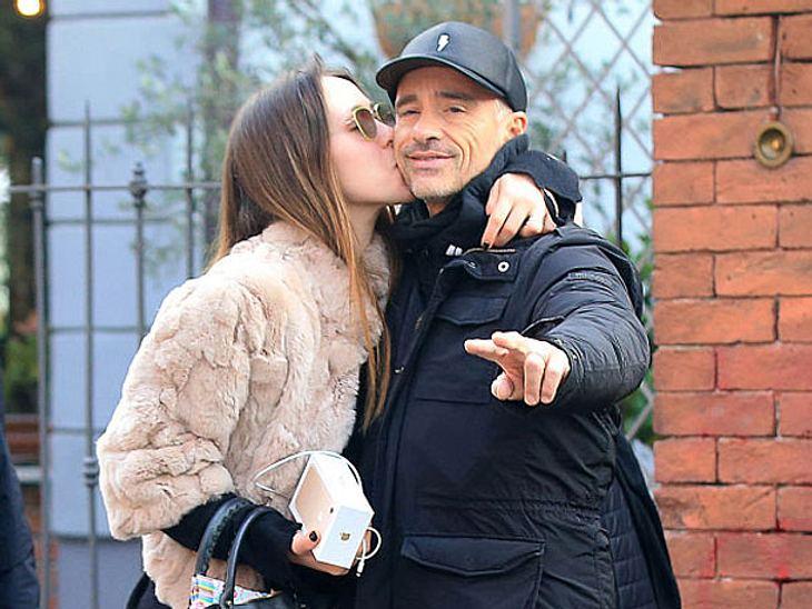 Eros Ramazzotti und seine Tochter Aurora am 5. Dezember 2016 in Mailand, Italien.