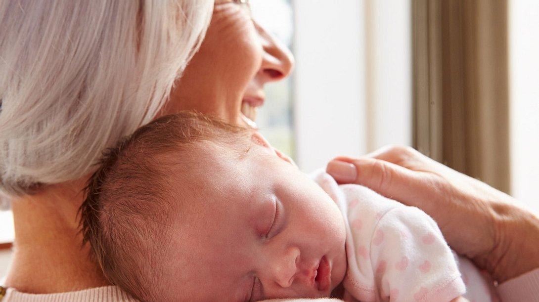 So sind Sie als frischgebackene Oma gut ausgestattet.  - Foto: monkeybusinessimages / iStock