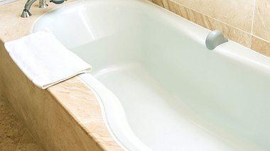 Mit diesen Tricks können Sie Ihre Badewanne natürlich reinigen.