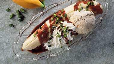 Bananensplit mit Nuss-Nougat-Soße.  - Foto: House of Food.