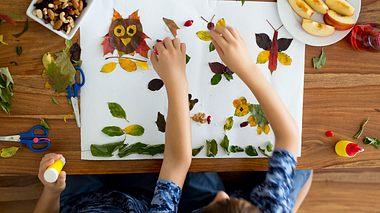 Mit Blättern zu basteln macht Groß und Klein viel Spaß. - Foto: tatyana_tomsickova / iStock