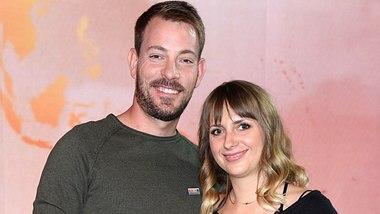 Bauer sucht Frau-Paar Anna und Gerald Heiser. - Foto:  Tristar Media / Kontributor / Getty Images