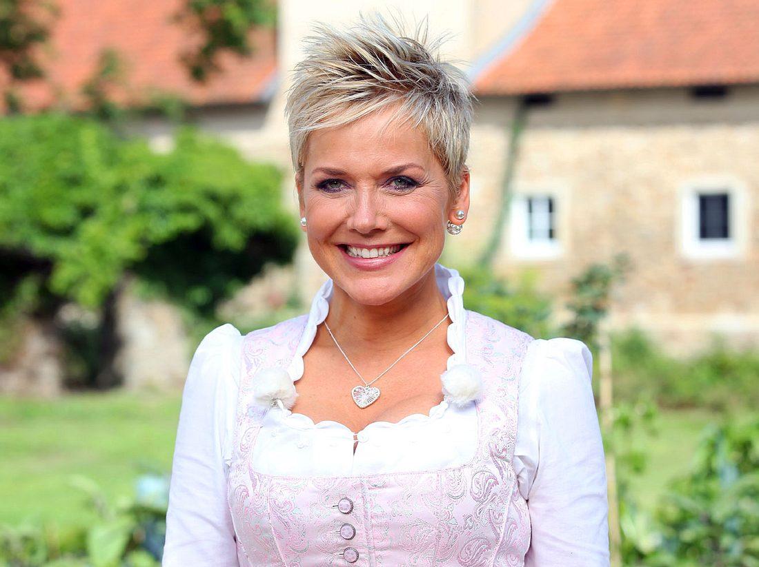 Bauer sucht Frau wird auch 2018 von Inka Bause moderiert.