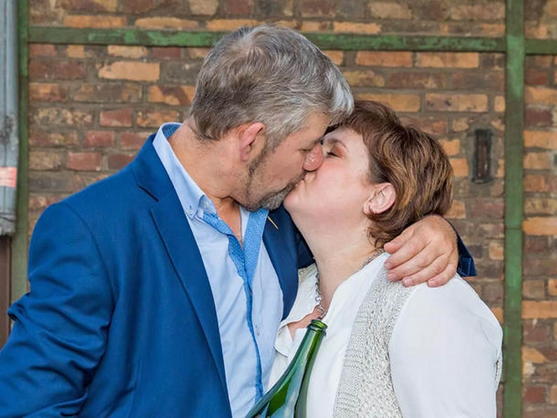 Uwe und Iris, bekannt aus Bauer sucht Frau, zeigen öffentlich, wie sehr sie sich lieben.