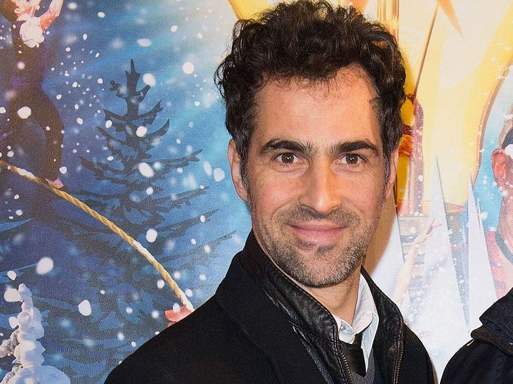 Gregor Merz spielt den Milchbauern Gregor in 'Der Bergdoktor'.