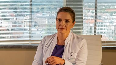 Bergdoktor-Star Rebecca Immanuel. - Foto: ZDF / Erika Hauri