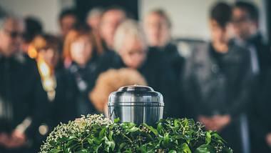 Bestattung im Kreise der Angehörigen.  - Foto: Anze Furlan / psgtproductions