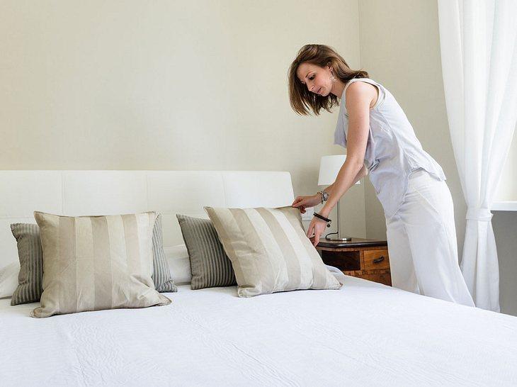 bettdecke matratze co so machen sie ihr bett fit f r den winter. Black Bedroom Furniture Sets. Home Design Ideas