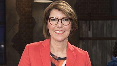 Bettina Böttinger moderiert die Talkshow Kölner Treff.  - Foto: Marc Pfitzenreuter / Getty Images