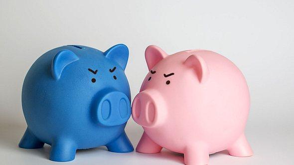Geldfragen in der Beziehung klären