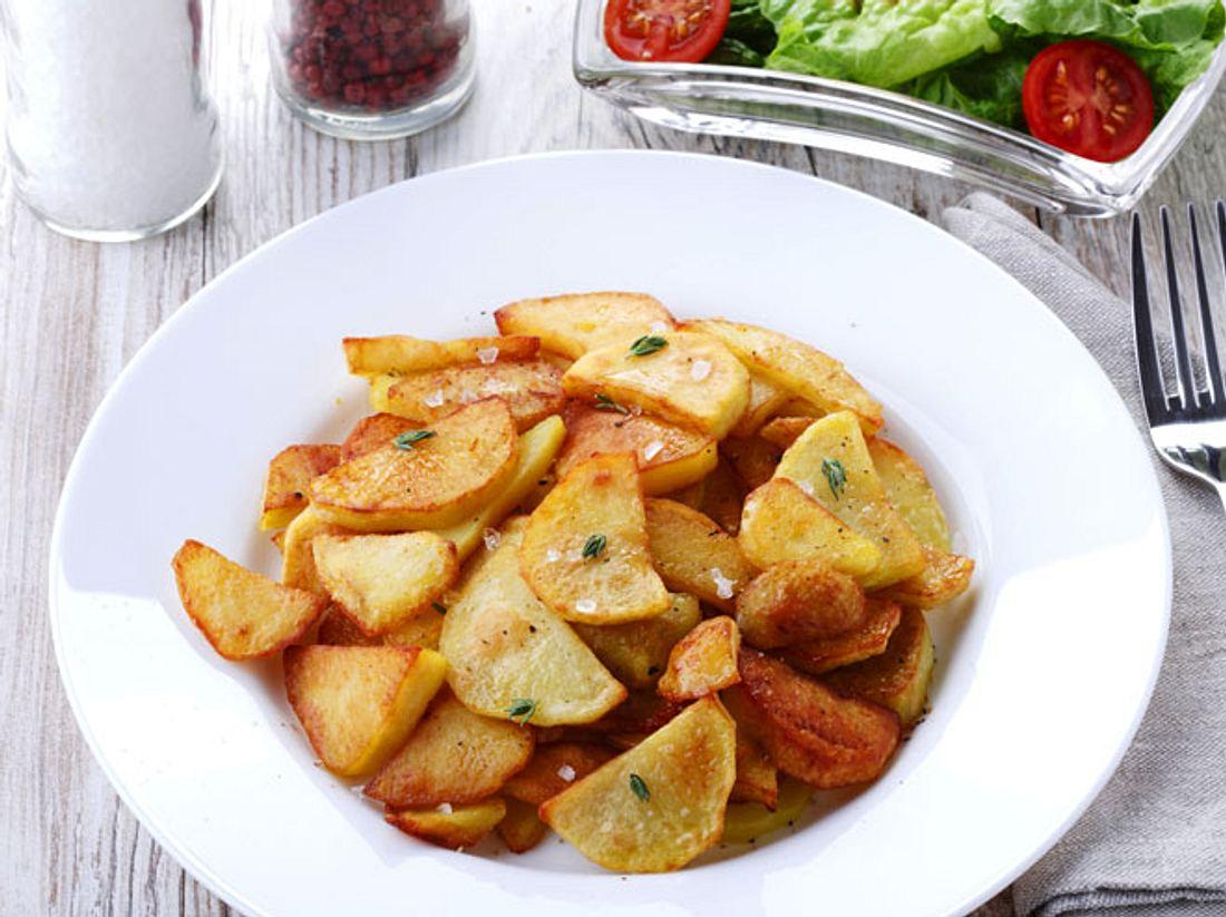 Wenn Bratkartoffeln schön knusprig sind, schmecken sie besonders gut.