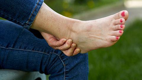 Brennende Füße: Ursachen und Symptome