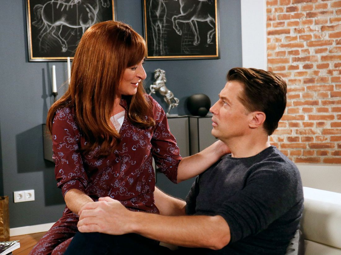Carla und Gregor werden ein Paar.