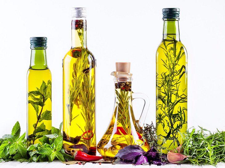 chiliöl und co.: so stellen sie gewürzöle selber her | liebenswert