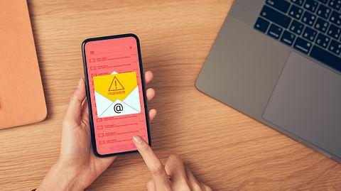 So schützen Sie sich vor aktuellen Phishing-Mails, die die Coronavirus-Krise ausnutzen. - Foto: Sitthiphong / iStock
