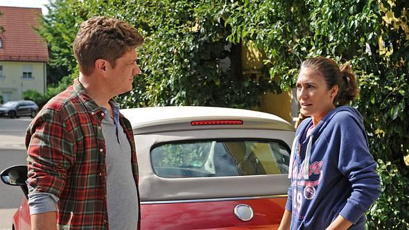 In Folge 2835 verlässt Dahoam is Dahoam-Fanny (hier mit Gregor) Lansing für immer. - Foto: BR/Marco Orlando Pichler