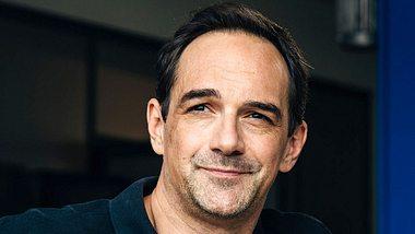 Wer ist Harry Blank, der Mensch hinter der Rolle des Mike Preissinger in Dahoam is Dahoam? - Foto: BR / Nadya Jakobs