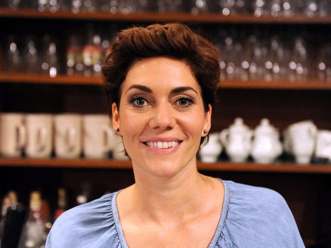 Katrin Lux, die bei Dahoam is Dahoam die Fanny Lechner spielt, bekam früher eine schlimme Diagnose.