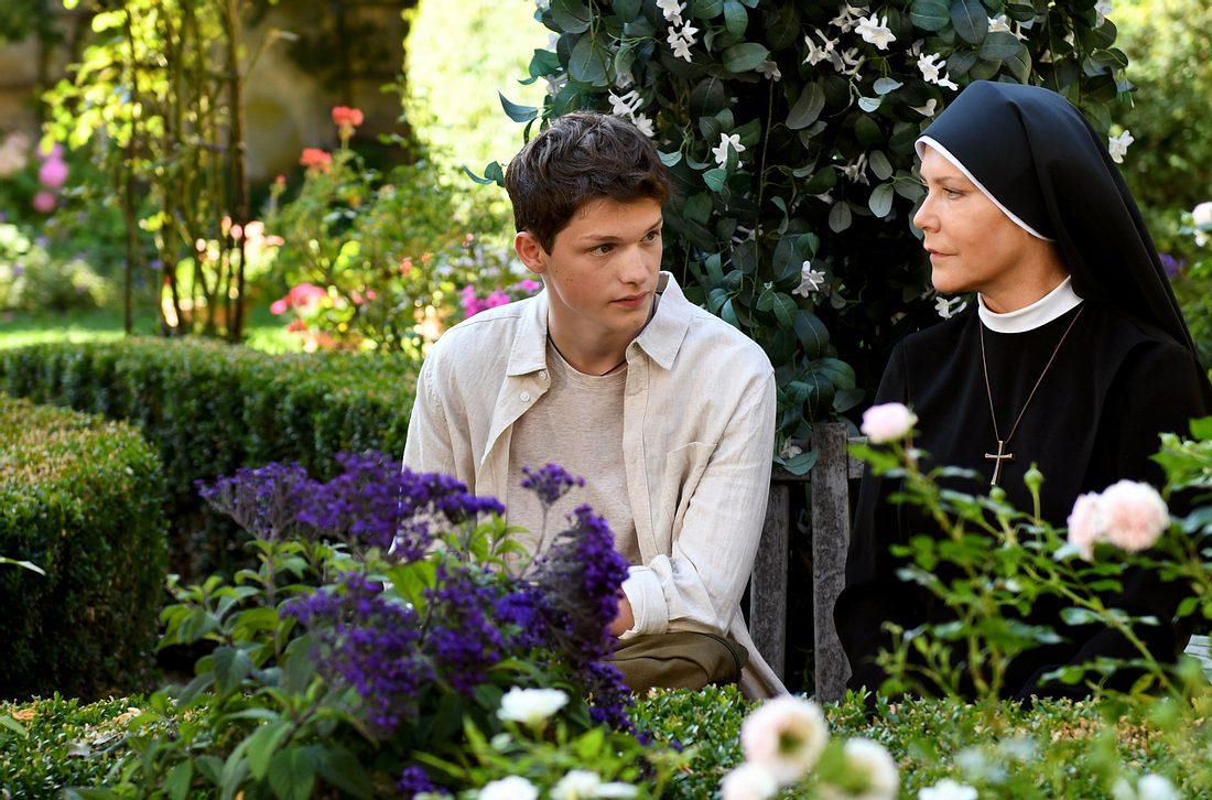 David Hell und seine Mutter in der 249. Folge von 'Um Himmels Willen.'