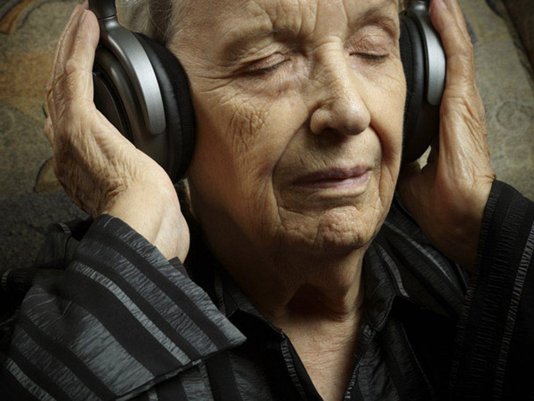 Demenz mit Musik therapieren.