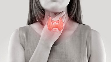 Zwischen Depressionen und einer Hashimoto-Erkrankung kann Forschern zufolge ein Zusammenhang bestehen. - Foto: Tharakorn / iStock