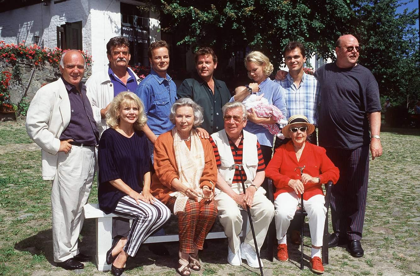 Die Schauspielr aus der Serie 'Der Landarzt' im Jahr 1999.