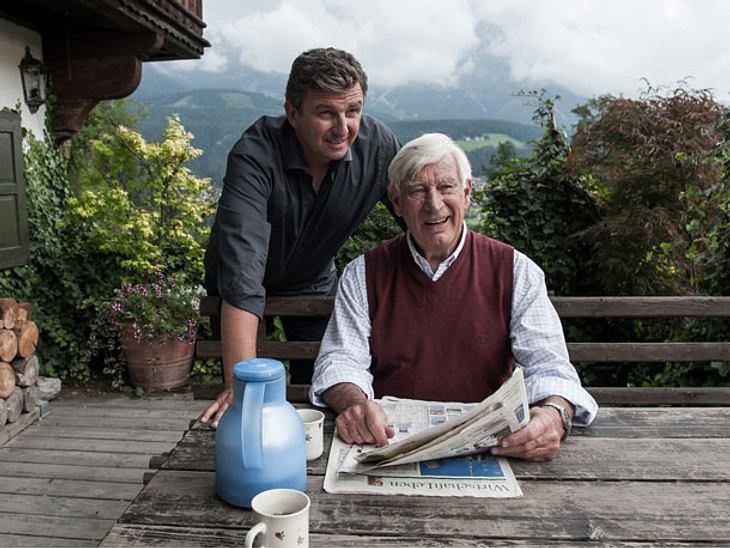 """Hans Sigl und Sigfried Rauch in """"Der Bergdoktor""""."""