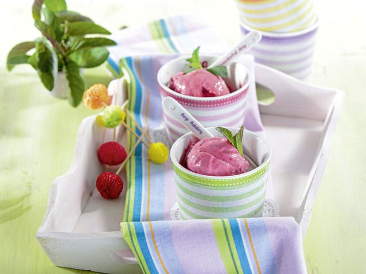 Dessert für Diabetiker: Himbeer-Blitzeis